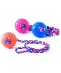 Beeztees. Игрушка для собак Мяч резиновый 7,5см на верёвке с ручкой 30 см..